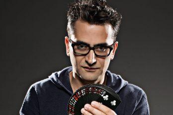 Qui est donc Antonio Esfandiari, le Magicien ?
